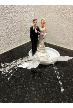 Braut mit Bräutigam mit Rose